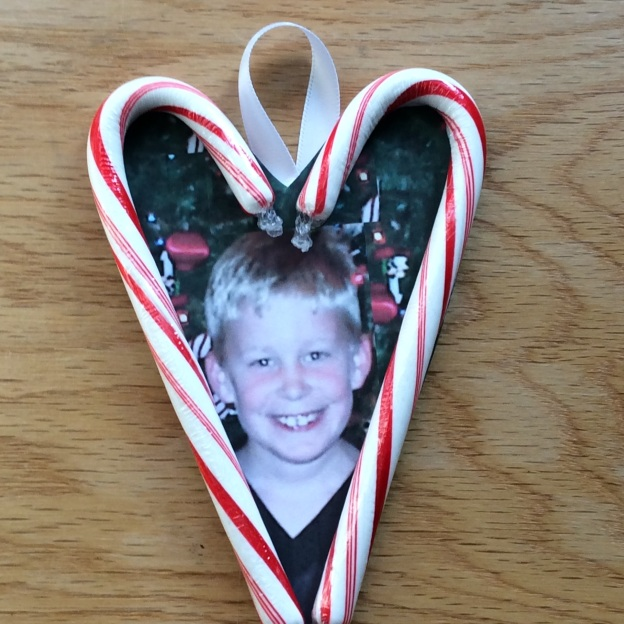 how to make a candy cane heart Christmas ornament
